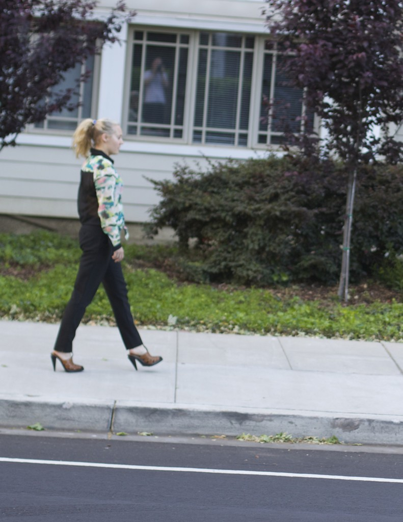 Feeling Tropical, Tropical print, Tropical blouse, Grayson, Theory, Alexander Wang, Work Week outfit, Outfit ideas, Spring fashion, Office attire, What to wear to work