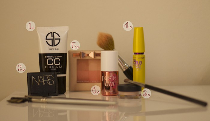 5 minute makeup for a girl on the go!