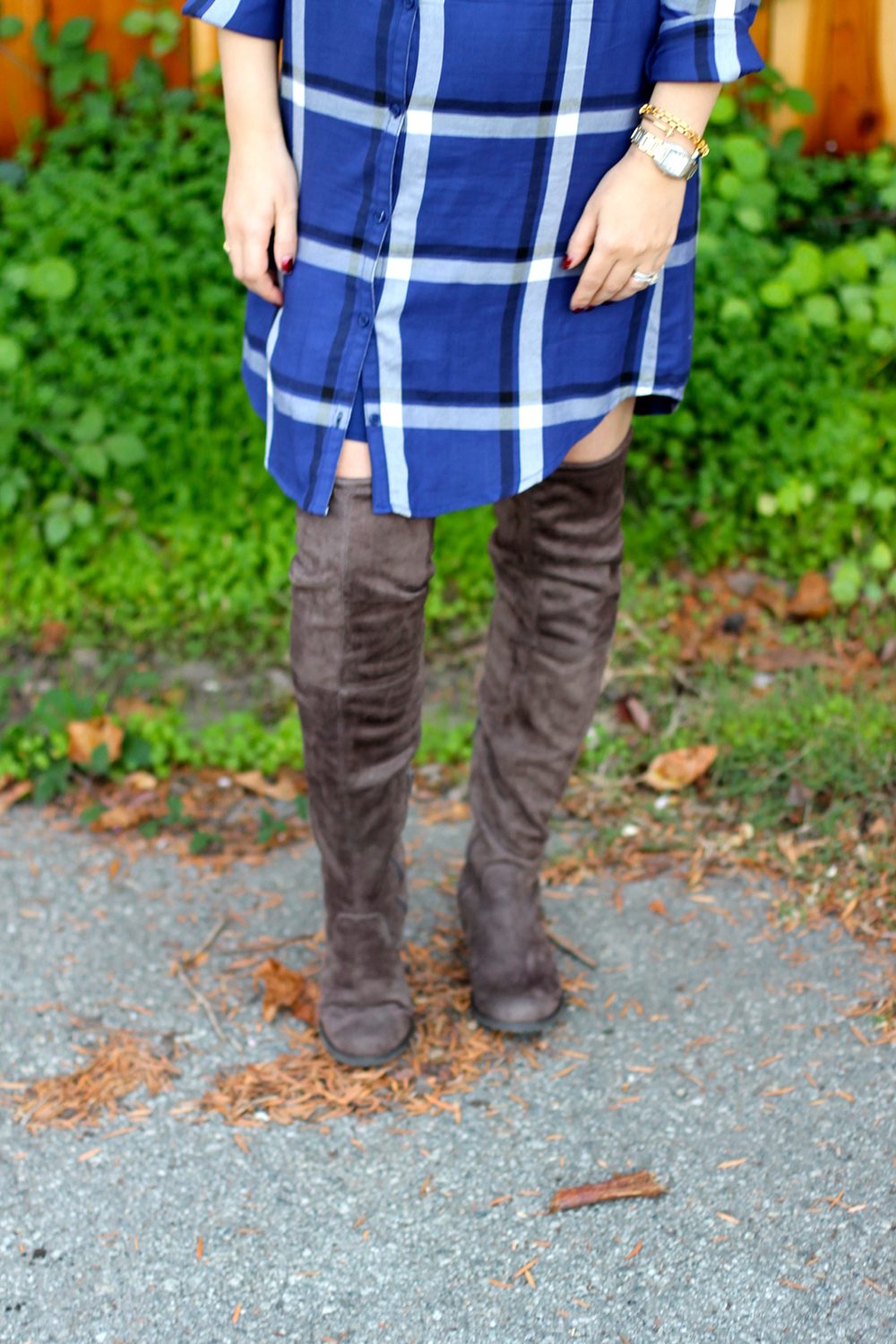 cupcakes-and-cashmere-plaid-shirtdress-outfit-inspiration-fall-fashion-mom-style-have-need-want-12