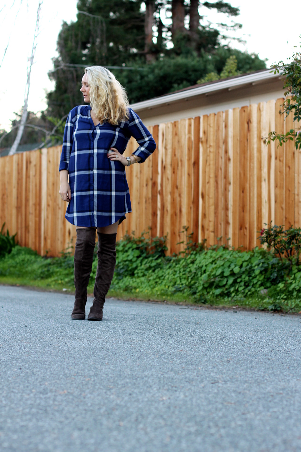 cupcakes-and-cashmere-plaid-shirtdress-outfit-inspiration-fall-fashion-mom-style-have-need-want-2