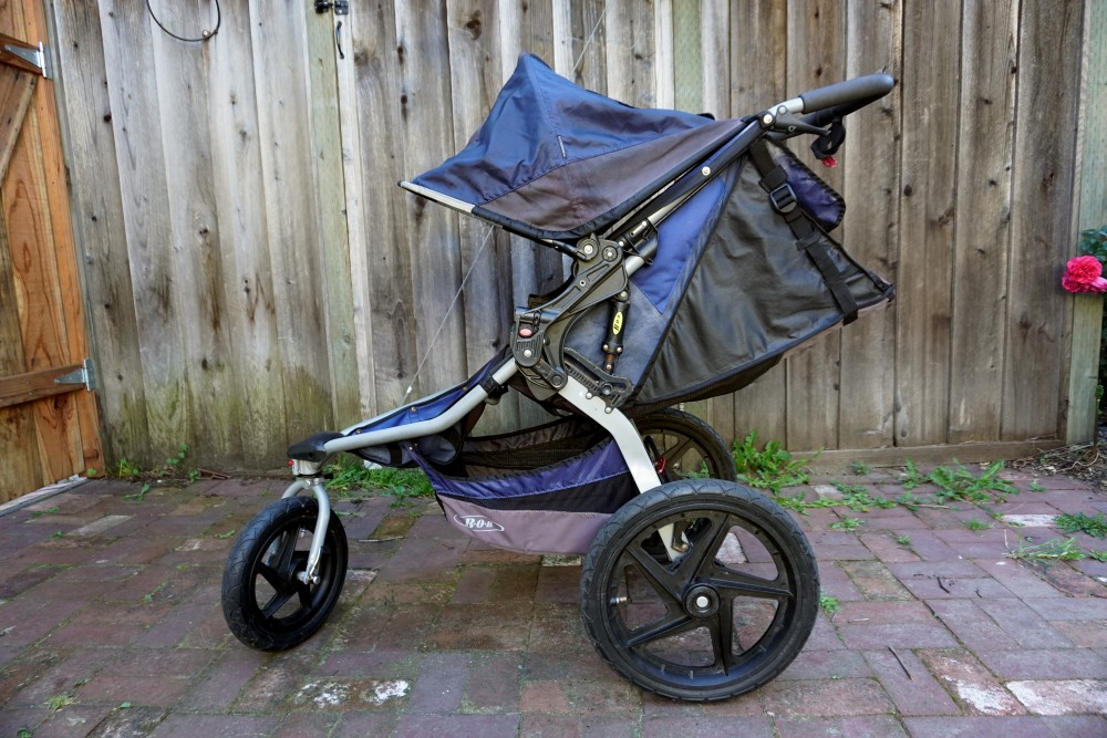 DIY Fabric Paint for BOB Jogging Stroller-Sun Faded Stroller DIY-Upholstery Paint-Weekend DIY 5