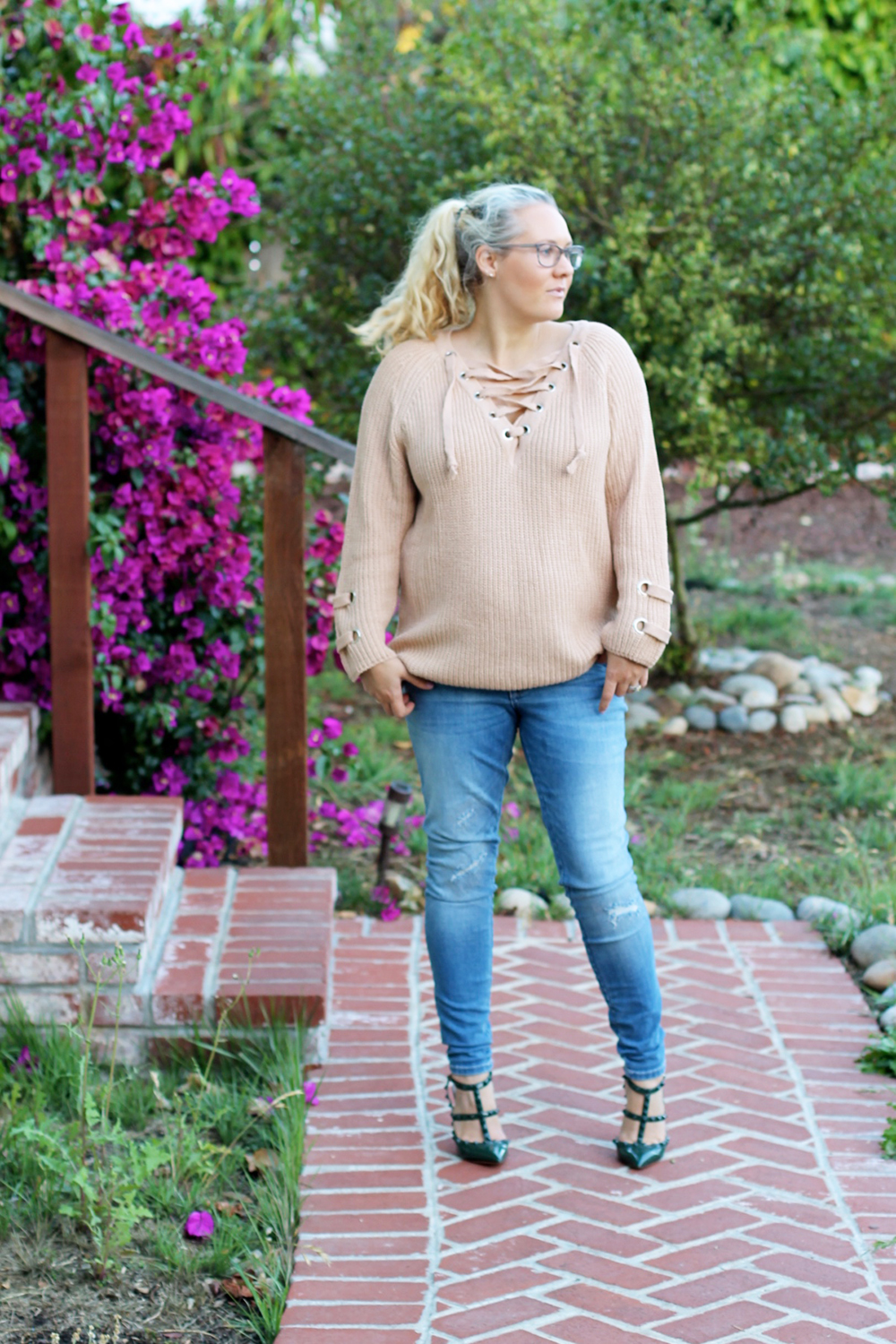 lace-up-sweater-chicwish-outfit-inspiration-mom-style-fashion-blogger-have-need-want-4