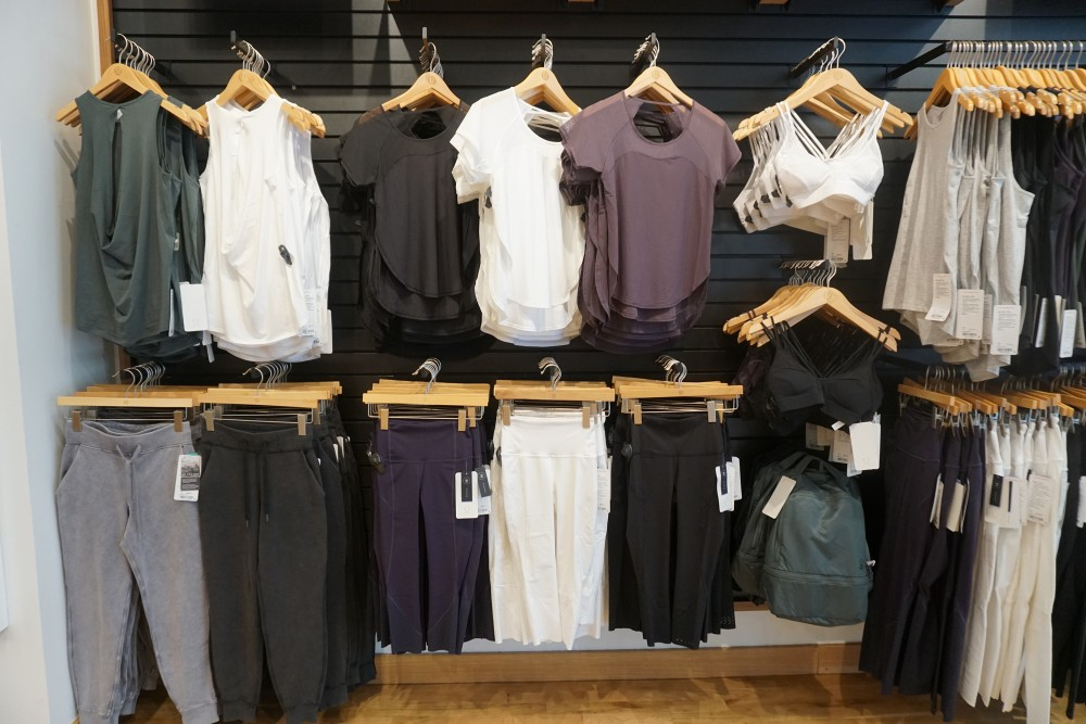 Mother's Day Gift Guide with Santana Row-Lululemon-Gifts for Her-Mother's Day Gift for the Fit Mom 2