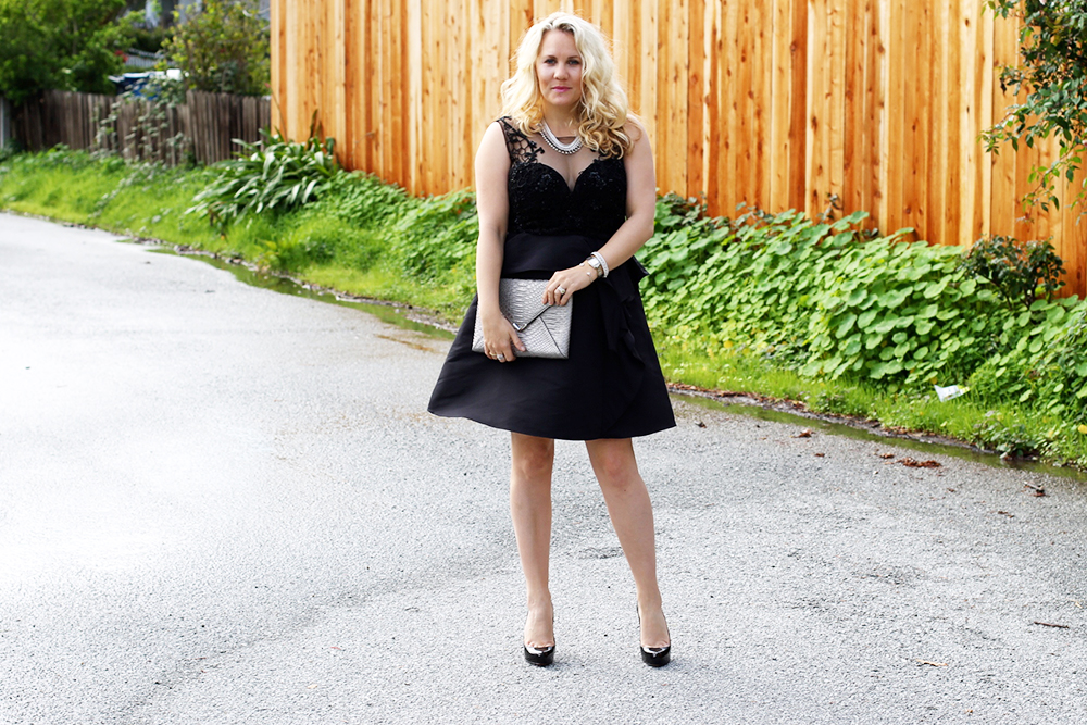 warmest-wishes-this-holiday-season-have-need-want-holiday-style-lbd-outfit-inspiration-13