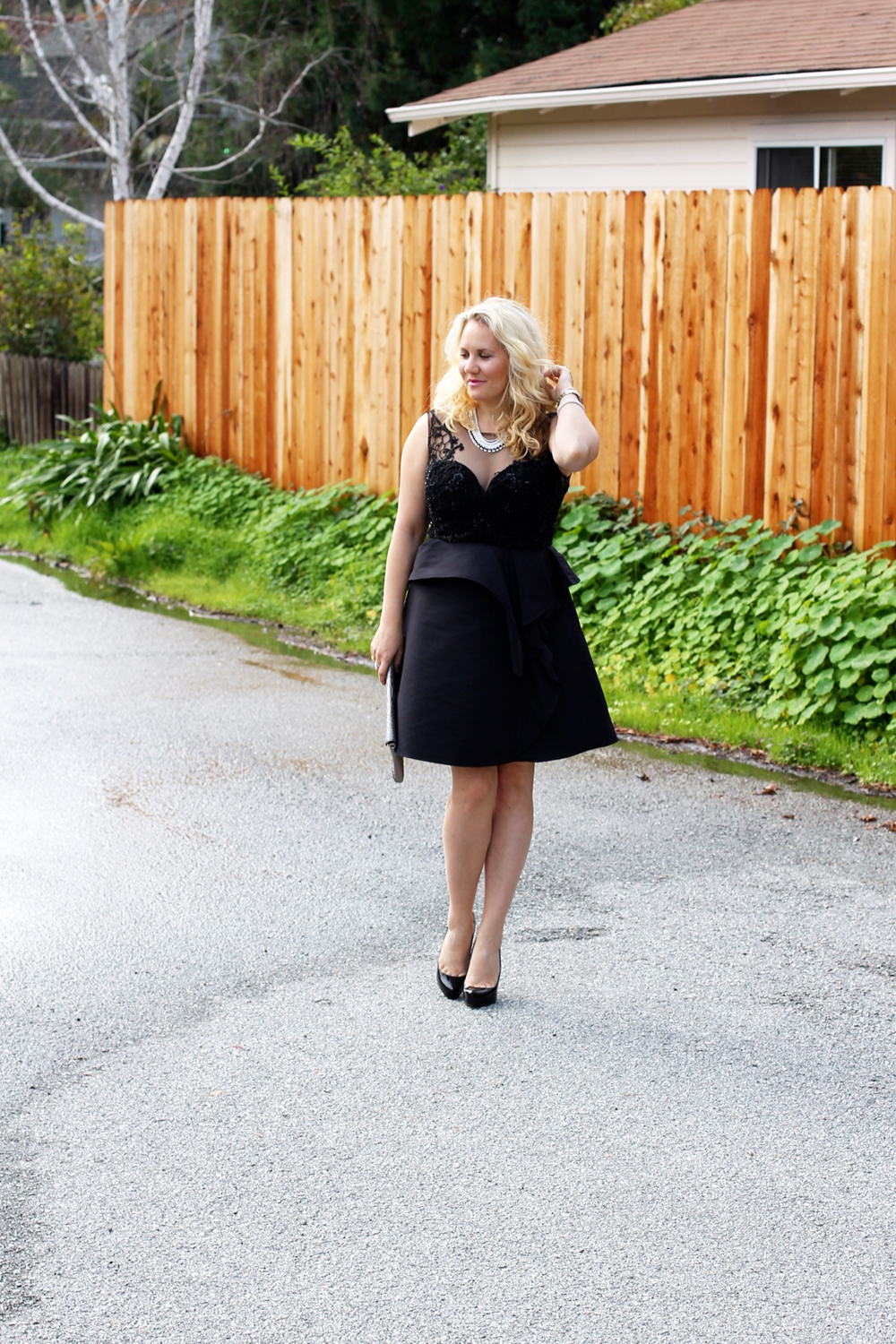 warmest-wishes-this-holiday-season-have-need-want-holiday-style-lbd-outfit-inspiration-9
