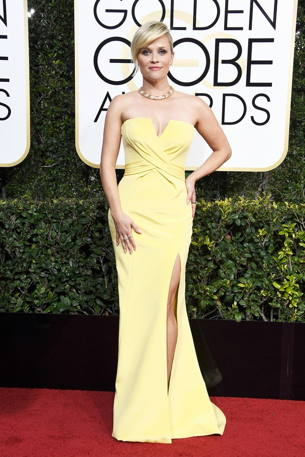 golden-globes-2017-red-carpet-reese-witherspoon